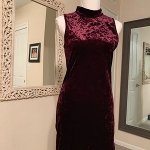 Plum, crushed velvet body con